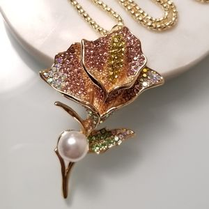 NWT- Cala Lily Crystal Pendant Necklace